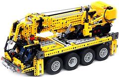 Фото LEGO Technic Mobile Crane (8421)