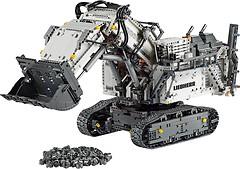 Фото LEGO Technic Экскаватор Liebherr R 9800 (42100)