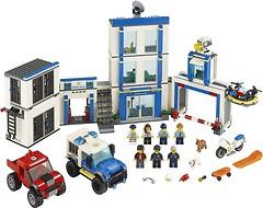 Фото LEGO City Полицейский участок (60246)