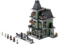 Фото LEGO Monster Fighters Haunted House (10228)