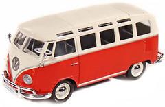 Фото Maisto (1:25) Volkswagen Van Samba (31956)